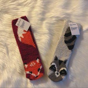 🌸 2/$10 BNWT Fox & Racoon Fuzzy Fluffy Cozy Socks